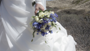 Filmen fotoshoot van Daphne en Joost bloemstuk